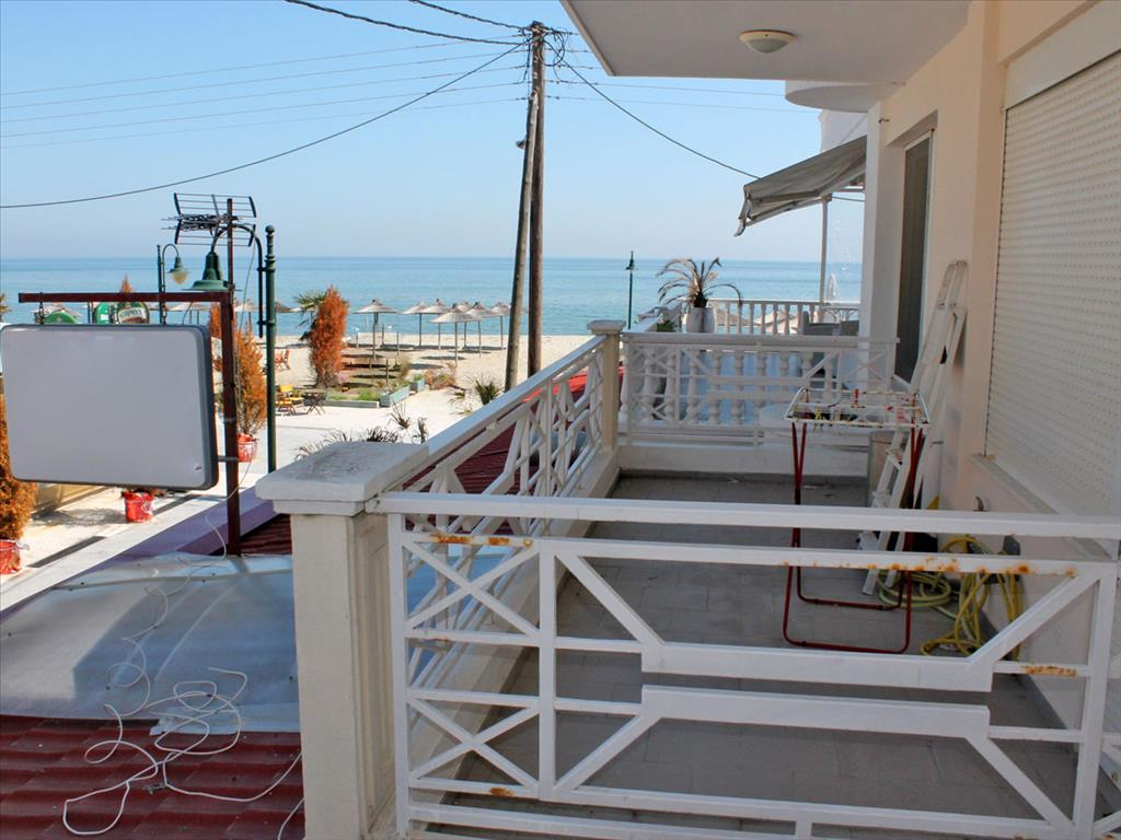 Где лучше купить квартиру в болгарии или греции