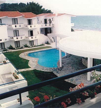 Почивка в Гърция,   Халкидики - Касандра хотел Dolphine Beach 2*+