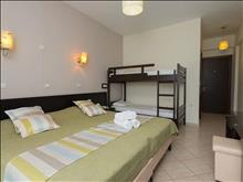 Maranton Beach Hotel: Double BunkBed - photo 19