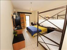 Maranton Beach Hotel: Double BunkBed - photo 20