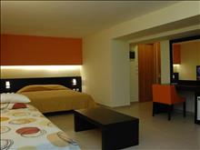 City Center Hotel: Triple Superior Room - photo 6