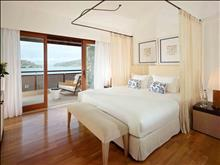 Blue Palace A Luxury Collection Resort & Spa: Island Luxury Suites Sea View Private Heated Poo