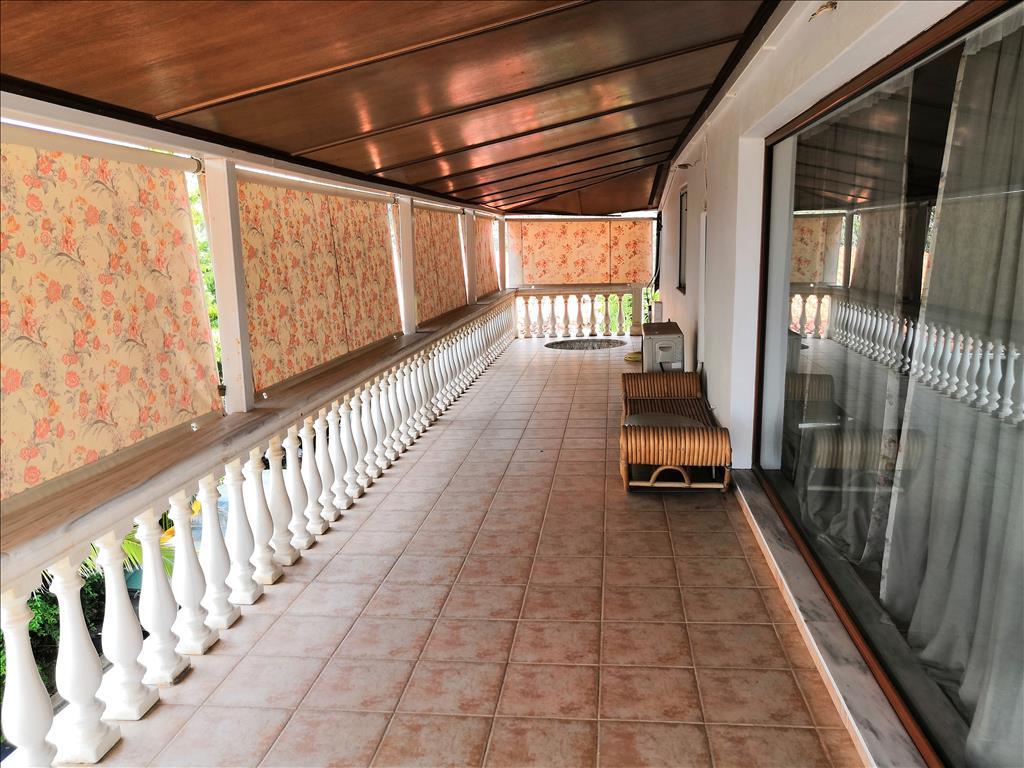 verkauf einfamilienhaus 300 m in attika griechenland kaufen h tte in europa 300 preis. Black Bedroom Furniture Sets. Home Design Ideas